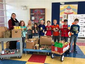 Reidville Students Give to MTCC Food Drive