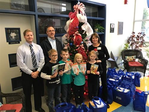 Sharon United Methodist Church Delivers Books